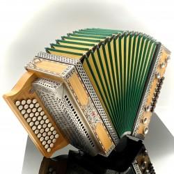 Strasser Harmonika Professional Kirsch GCFB Harmonika Quetschn Haus der Musik Stefan Maier
